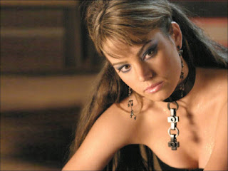 Eilail Shi-Mae Wather Erica-durance-wallpapers-02