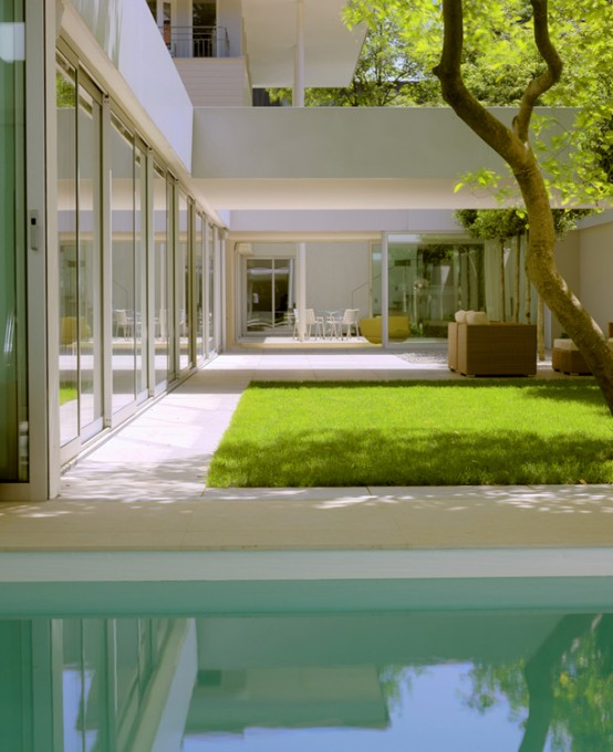 Low House With Zen Garden And Green Roof | Interior Designs on