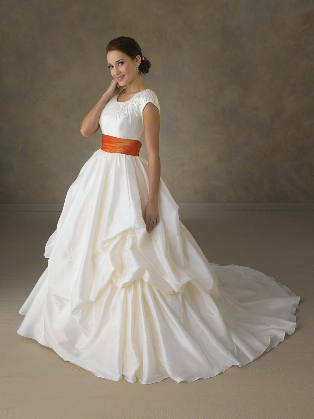 Wedding gown giveaway on bonny 39 s blog for Wedding sashes for dresses