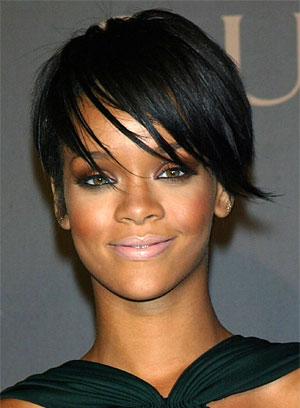 rihanna hairstyles bob. Rihanna Hairstyles 2011