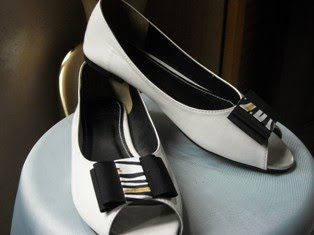White Black Ribbon Shoe
