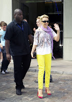 Kylie Minogue in yellow neon jeans signing autographs in Hamburg