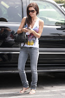 Audrina Partridge in jeans at Coffee Bean and Tea Leaf in Hollywood