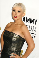 Just In! Christina Aguilera Looks Sexy