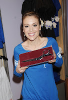 Alyssa Milano Keeps In Touch