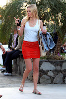 Kate Bosworth Sexy Red Skirt Pictures