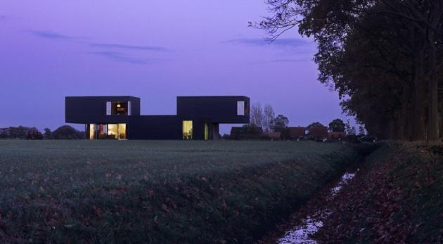 Photo © Courtesy Of Zecc Architects