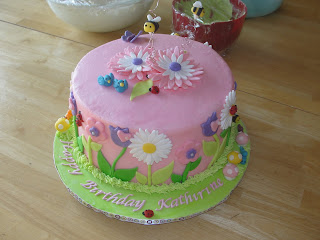 Cake With Fondant Flowers : Oh, just put a cupcake in it....: Barbie and Flowers...