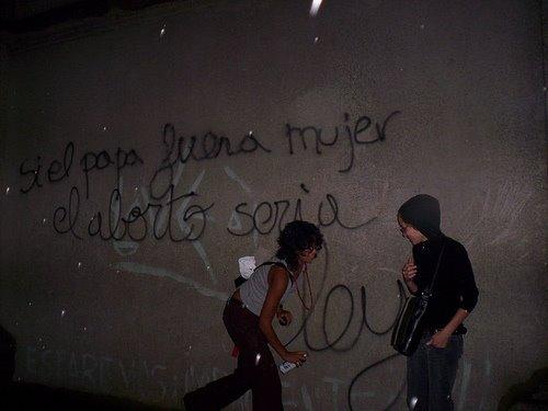 grafiti 2/Si el papa fuera mujer....
