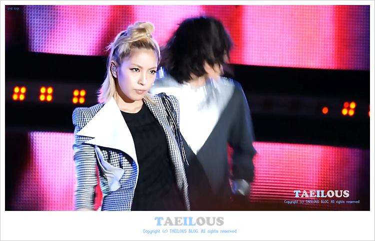 [Pics] BoA en el 6th Busan International Fireworks Festival  Download003z
