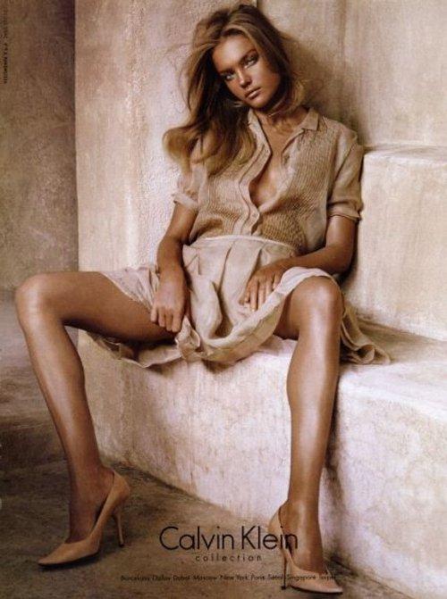 http://3.bp.blogspot.com/_3BSNaaxqm9g/TLchqByYM3I/AAAAAAAAAXw/WKAkQT-4OlE/s1600/Natalia_Vodianova_Calvin_Klein_Jeans.jpg