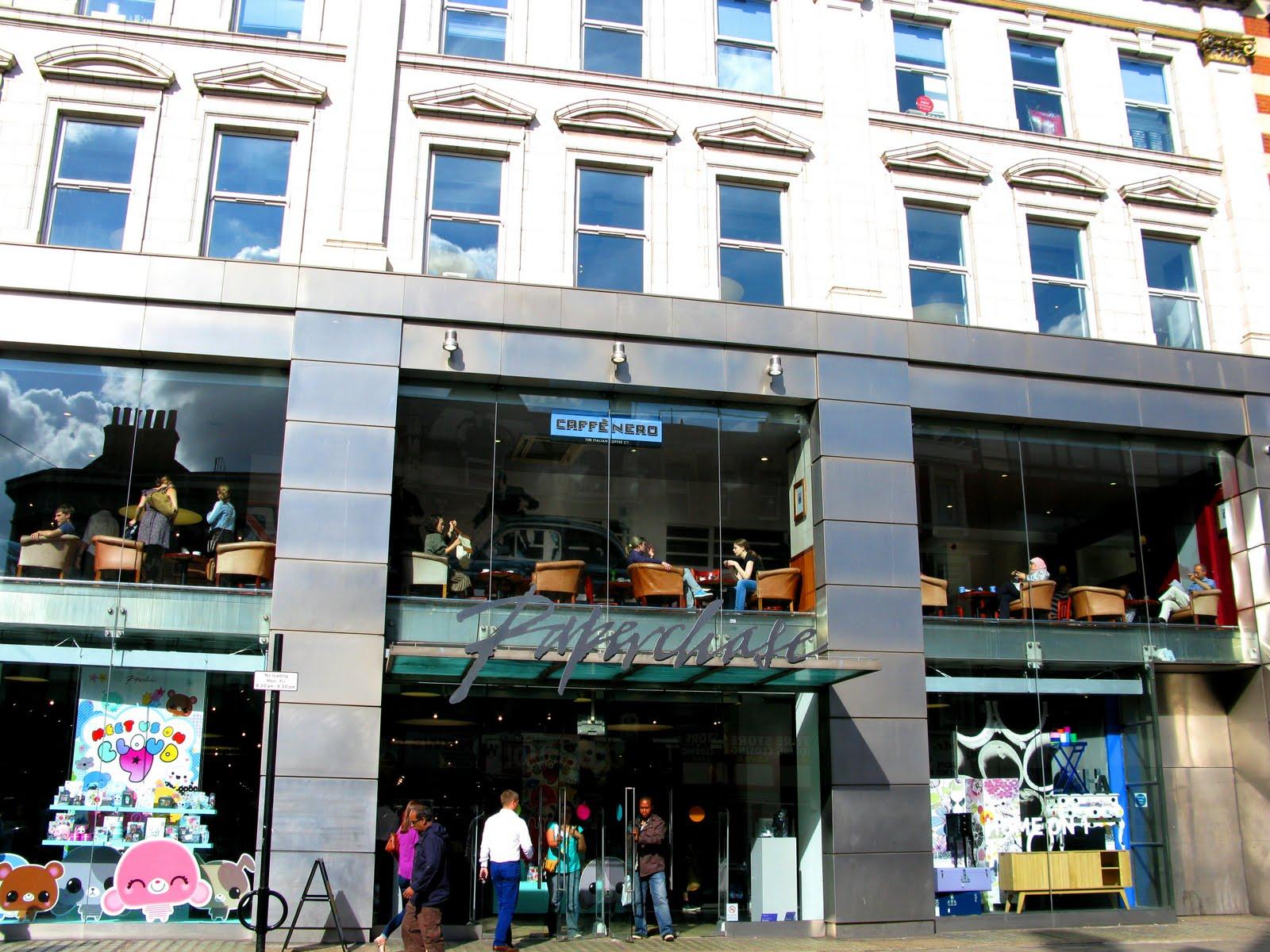 http://3.bp.blogspot.com/_3D_ZLOC0At4/TFBBGBNMFRI/AAAAAAAABKk/oQcKGk5m-qY/s1600/Paperchase_London.jpg