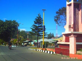 Trafiic Light  Satu - satunya di Bajawa Simbol Proyek Mercu Suar Kabupaten Ngada 2005 - 2010 ??????