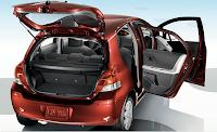 2010 Toyota Yaris Sport  review open door view