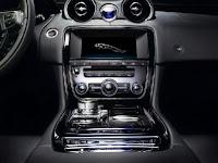 2010 Jaguar XJ 75 Platinum edition interior view