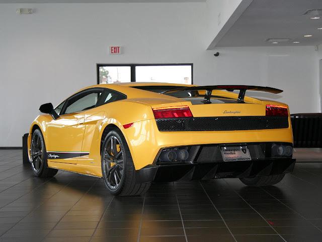 2011 Lamborghini Gallardo LP570-4 Superleggera concept back view