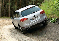 2011 Volkswagen Touareg On Road