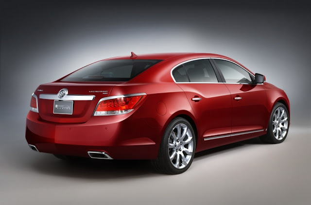 Reviewing the 2011 Buick LaCrosse