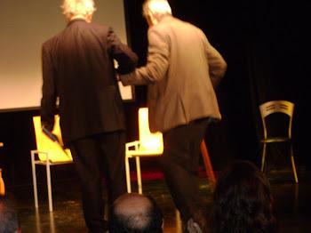 Hugo acompañando al homenajeado