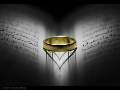 cincin dan bayang bentuk love