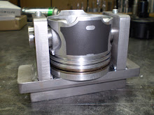 Tool to hold piston for machining