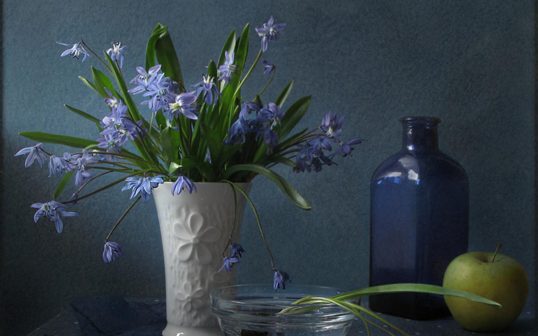 Flower Pot Wallpaper