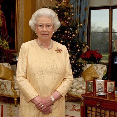 Queen+Elizabeth+II+2007+Christmas+Message.jpg