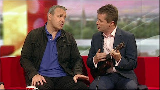 nicky campbell ukulele
