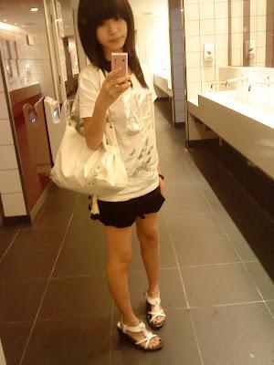 又在厕所拍照了xD