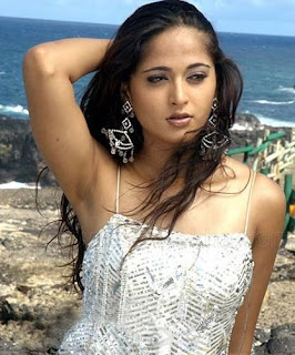02anushka hot pictures29122008