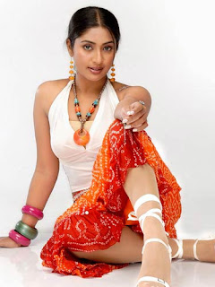 Navya Nair,<br />hot actress pictures