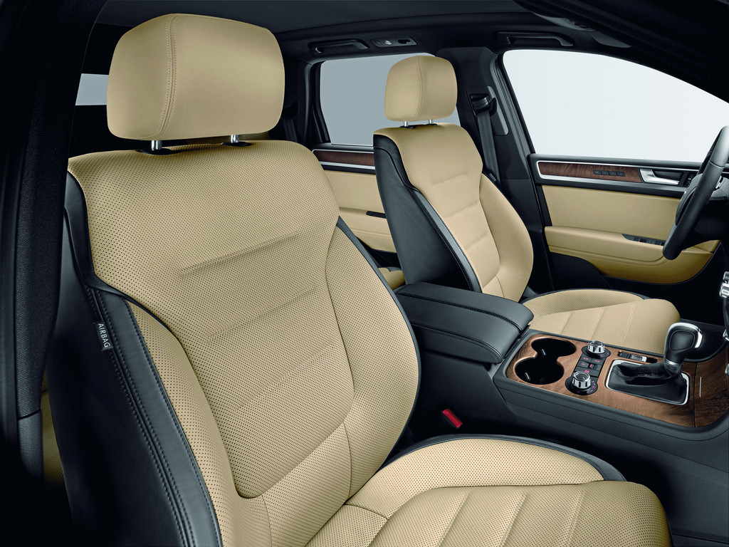 exclusive facilities for volkswagen touareg ordered now garage car. Black Bedroom Furniture Sets. Home Design Ideas