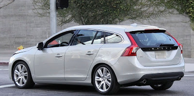 2011 Volvo V60 Station Wagon pictures photos
