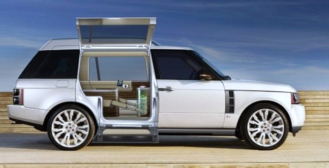 Draft range rover q vr 2010 garage car for Land rover garage
