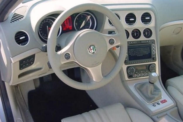 Car news car reviews november 2009 for Alfa romeo 159 interieur