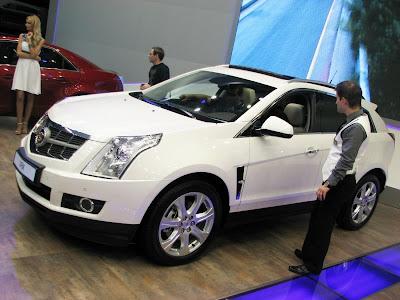 New crossover - Cadillac SRX 2011 live