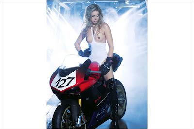 Hot Car Washer Girls Calendar 2011