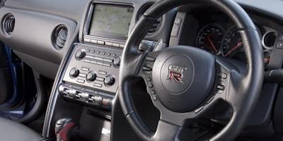 2011 2012 Nissan GT-R