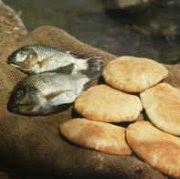 Kisah Seorang Anak dalam Mukjizat Yesus: Lima Roti Dua Ikan