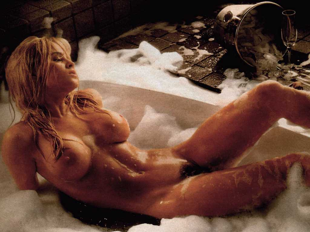 Jenny McCarthy nude topless Dirty Love 2005 HD 720p