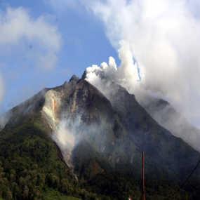 Gambar Gunung Merapi Meletus Gunung Meletus Di Indonesia Gunung | Apps ...