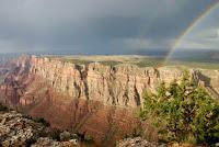 El Gran Cañon y un arco iris.