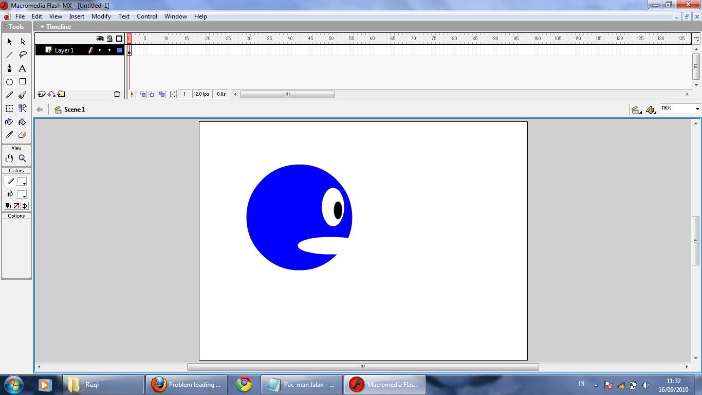 lingkaran, klik Selection Tool , select setengah lingkaran, tekan