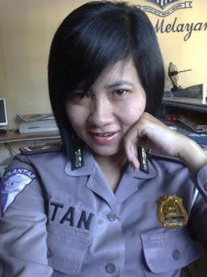 美人すぎる】インドネシアの婦人警官達が可愛い