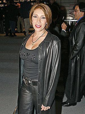 Cynthia Klitbo con cabello corto