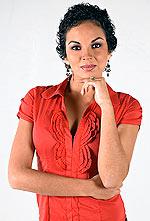 Adriana Zubiate con cabello corto