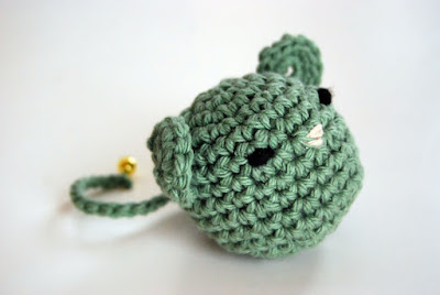 Crochet cat toy ball pattern free crochet patterns for How to crochet cat toys