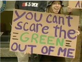 http://3.bp.blogspot.com/_3WZCoVGnGlY/SjWOSqaB9iI/AAAAAAAAACE/JH47dKd0Ojo/s320/green_scare.jpg
