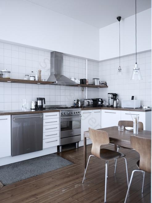 Moderne Küche mit großem Gasherd | connys diary