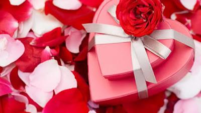 Gifts Valentine Symbols